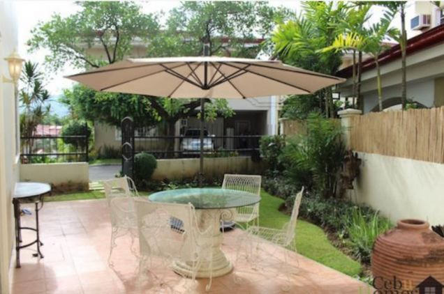 For Rent Three Bedrooms Townhouse in Villa Terrace - 5
