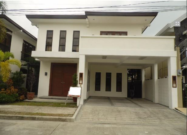 For Rent Fully Furnished House and lot with 4 Bedrooms - 2