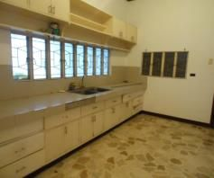 Spacious Bungalow House in Balibago for rent - 25K - 3