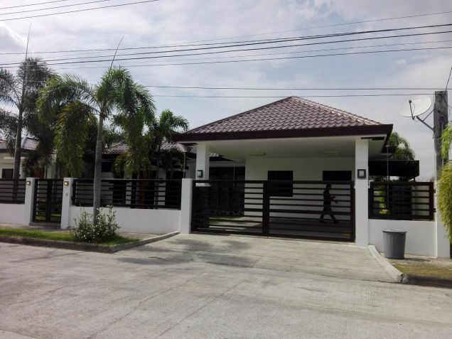 Spacious Bungalow House and Lot for Rent in Hensonville Angeles City - 0