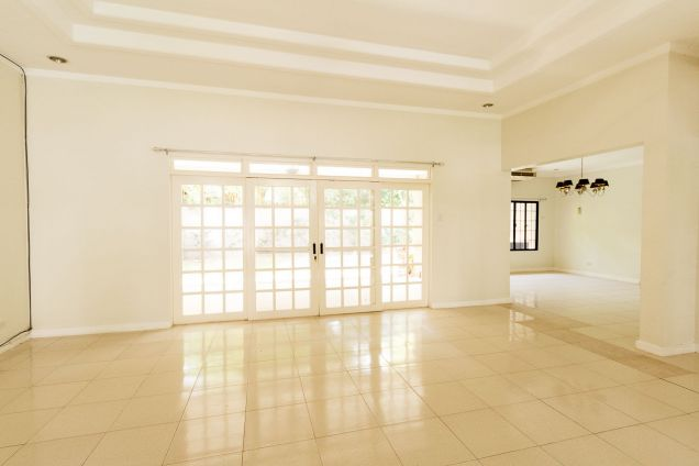 Spacious 4 Bedroom House with Swimming Pool for Rent in North Town Homes - 4