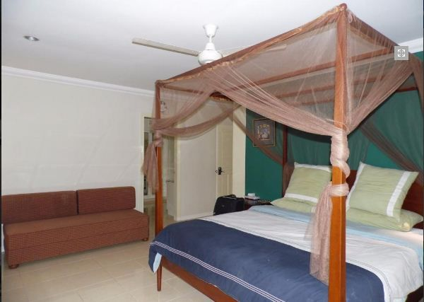 Spacious Bungalow House with swimming pool for rent - 6