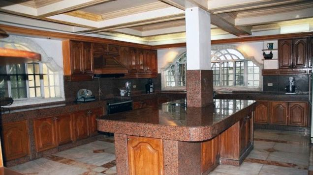 10 Bedroom Elegant House for Sale in Forbes Park, Makati City
