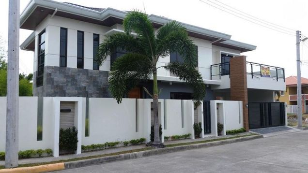 Two Storey House for rent with 4 bedrooms and pool in Hensonville - 0