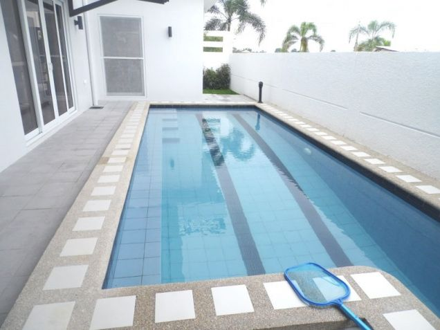 4 Bedroom House with Swimming pool for rent - 100K - 1