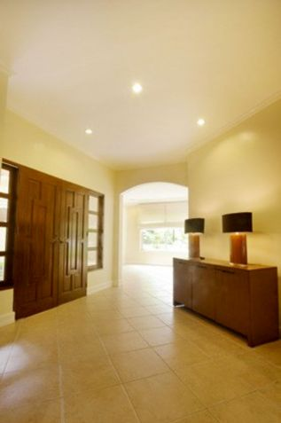 Modern 3 Bedroom House with Swimming Pool for Rent in Maria Luisa Cebu - 8