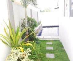 4 BR House with Swimming pool near SM Clark for rent - 70K - 4
