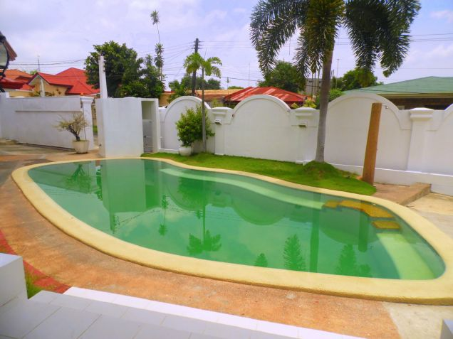 House and Lot for rent with 5BR and Swimming pool - 90K - 8