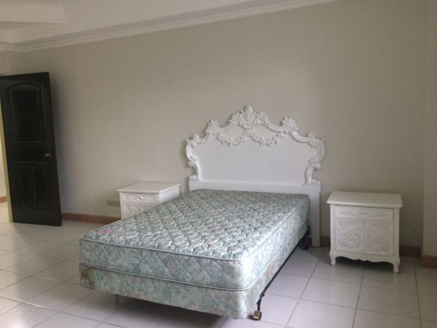 5 Bedroom Semi Furnished House and Lot for Rent in Angeles City - 7