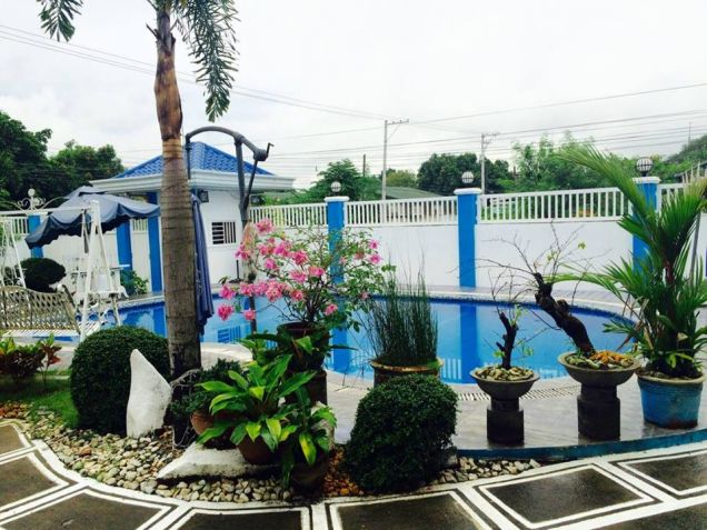2 Bedroom furnished apartment is located in Malabanias, Angeles City, Pampanga. - 2