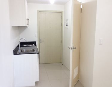 Condo unit facing Makati view 1 BR for Sale rent to own in Roxas Blvd - 8