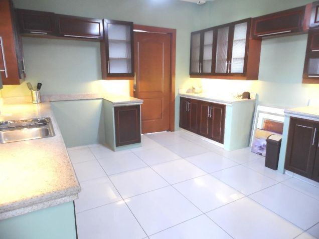 House and Lot for rent in Balibago with 3BR - 75k - 7