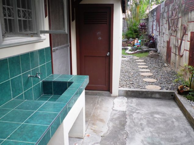 W/Huge Yard  Corner Lot House & Lot For Rent In Friendship Angeles City - 5