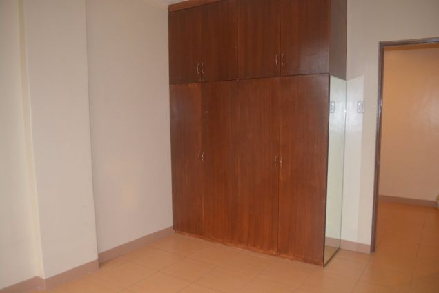 Lahug townhouse with 3 bdrms unfurnished inside gemsville P27K - 1