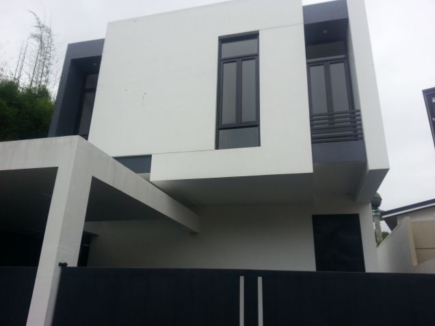 Zen Type modern zen type house and lot in bf homes paranaque