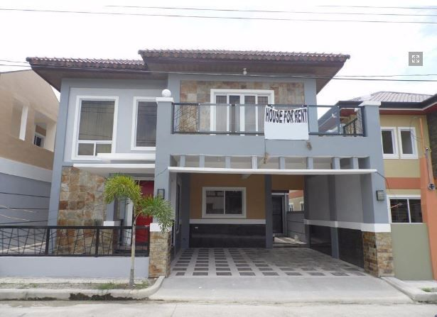 4 Bedroom Fully Furnished House and lot near SM Clark for rent - 0