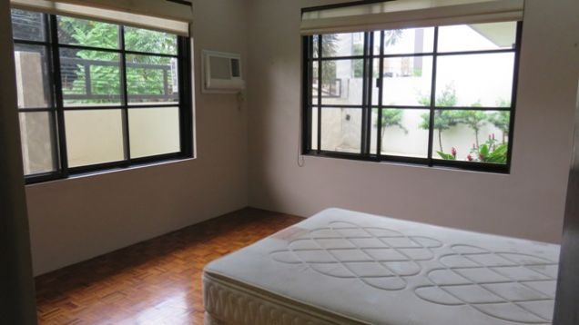 Bungalow House and Lot for rent in Lahug - 3