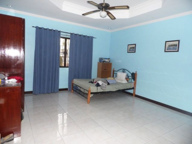 House and lot w/ 7 Bedroom & Pool for rent for P180K - 9