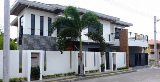 House and lot with 4 bedrooms & swimming pool in Angeles FOR RENT @130K - 8