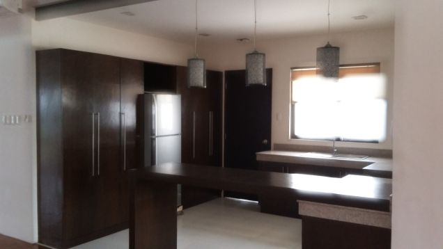 Spacious Bungalow House for Sale in Lahug - 2