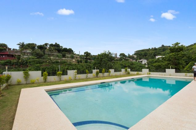 Spacious 7 Bedroom House with Swimming Pool for Rent in Maria Luisa Park - 8