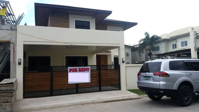 For Rent House and lot with swimming pool in Friendship - 70K - 0