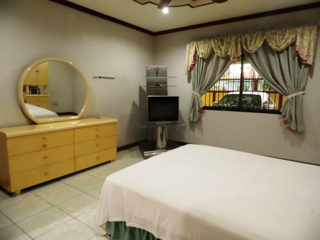 6 Bedroom W/ Pool Semi-Furnished House & Lot For RENT In Angeles City Near To Clark Free Port Zone - 1