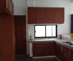 3 bedrooms for rent near SM CLARK ---- P 35K - 9