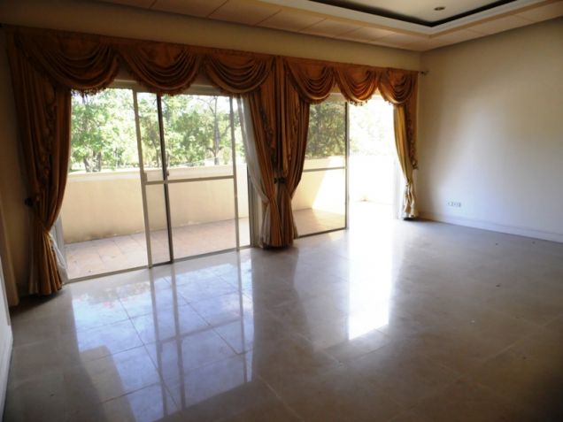 2-StoreyFurnished House & Lot For Rent In Hensonville Angeles City W/Golf Course ,Lawn Bowling Ect. - 2