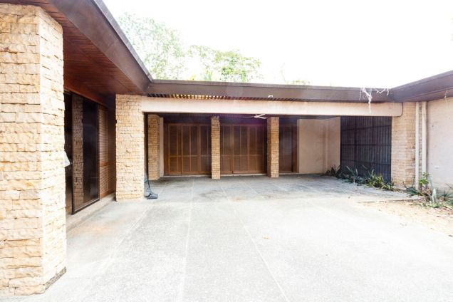 Large 5 Bedroom House for Rent in Maria Luisa Park - 4