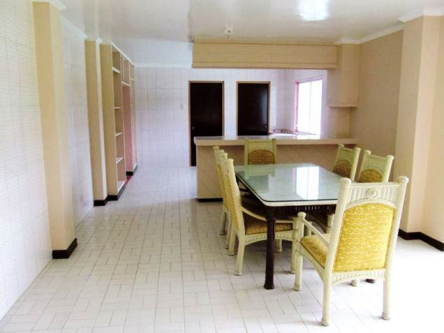 House for Rent 5 Bedrooms in Banilad, Cebu City - 8