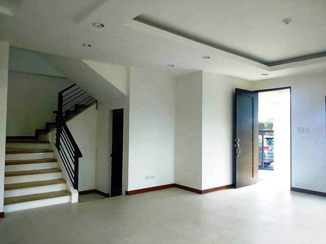 4 Bedroom House with 5 Bathrooms for rent - 50K - 1