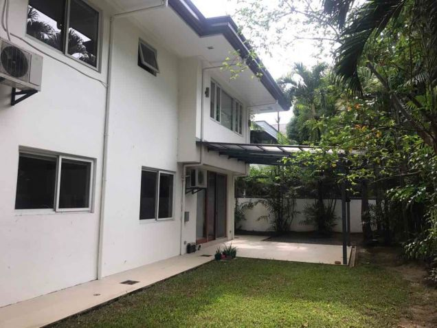 600 sqm, 3 Bedroom with Backyard for Rent, Corinthian Gardens, Quezon City - 0