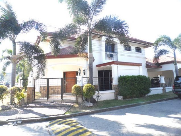 Fully Furnished 3 BR House in Balibago for Rent - 75K - 2