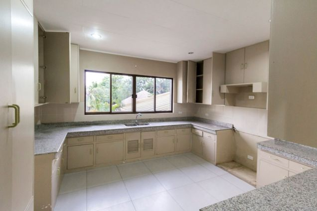 Renovated 4 Bedroom House for Rent in Maria Luisa Park - 8