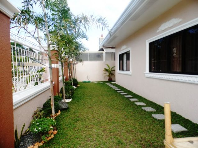 Furnished Bungalow House & Lot for rent Along Friendship Highway in Angeles City near Clark - 2
