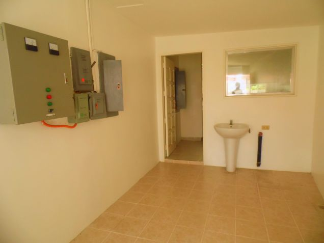 House and Lot for rent with 5BR and Swimming pool - 90K - 2