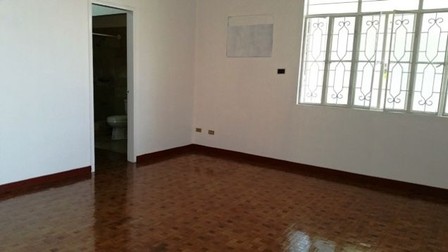 Bungalow House with Spacious yard in Friendship For Rent - @P28K - 1
