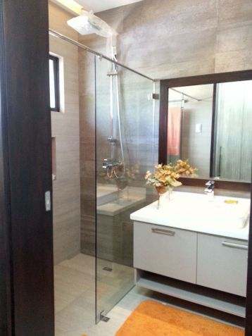 Modern 4 Bedroom House for Rent in Cebu Banilad - 6