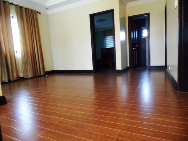 Modern House with 4 Bedroom for rent in Hensonville - 50K - 5