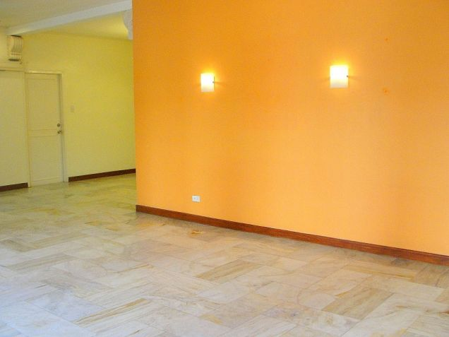 VAA Homes Las Pinas near Perpetual 3-bedroom bungalow for rent - 2