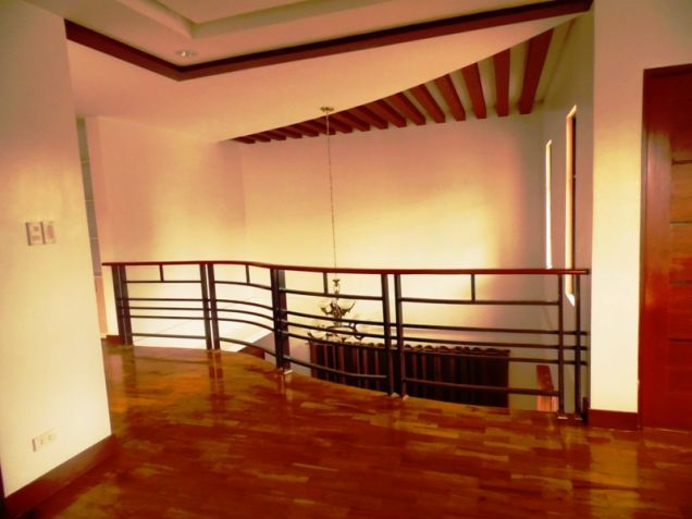 2-Storey Furnished 3 Bedroom House & Lot For Rent In Hensonville Angeles City.. - 4