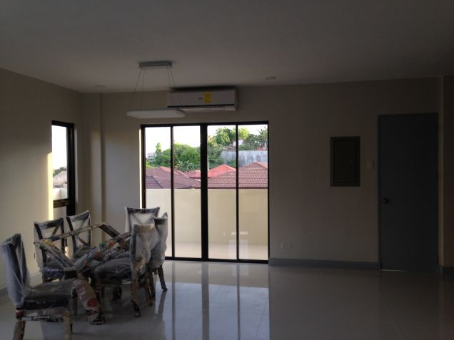 Banawa 3 BR house For Rent - 2
