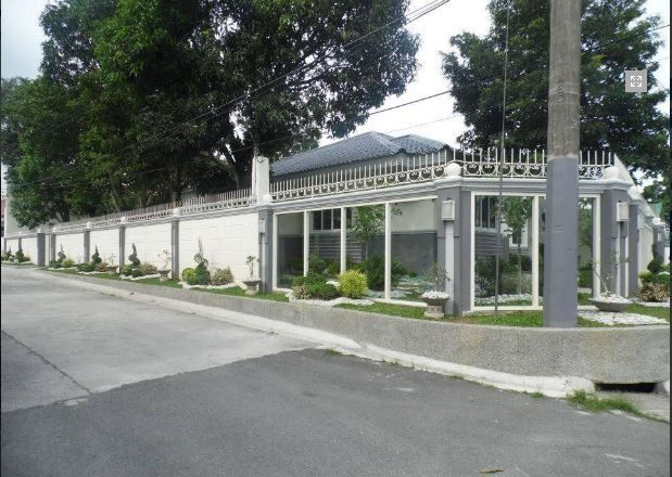 Bungalow House with Spacious yard for rent - 45K - 1