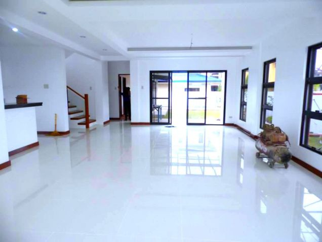 Three Bedroom House With Pool For Rent In Pampanga - 4