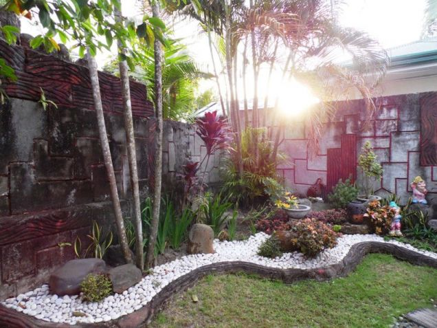 Corner Lot w/ Huge Yard House & Lot For RENT In Friendship Angeles City - 7