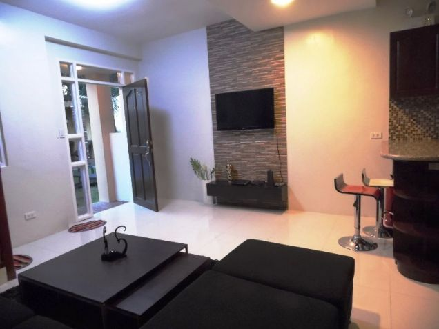 2 bedroom Fully Furnished Apartment for rent near Sm Clark - 35K - 3