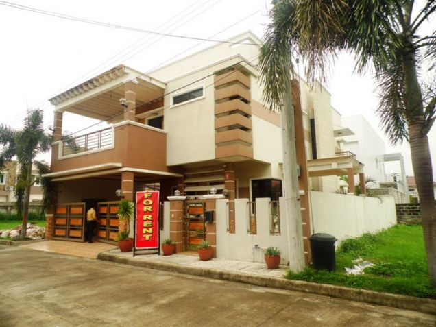 5 Bedroom Fullyfurnished House & Lot For RENT In Hensonville Angeles City - 0