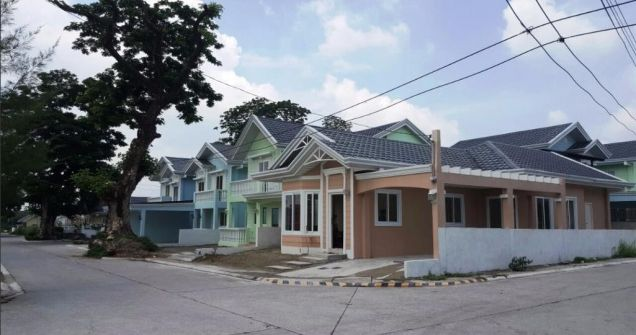 3 Bedroom House & Lot for Rent in Angeles City for P25k only *Corner Lot* - 0