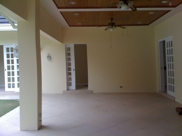 4 Bedroom House for Rent in Urdaneta Village, Makati City - 4